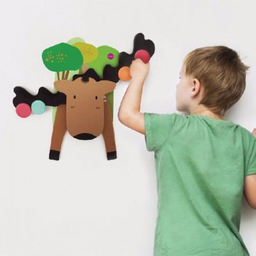 Zabawka naklejana na ścianę...